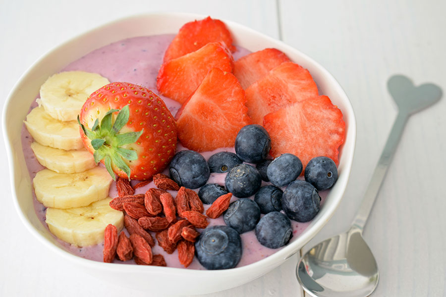 Smoothie bowl rood fruit FitFoodFab